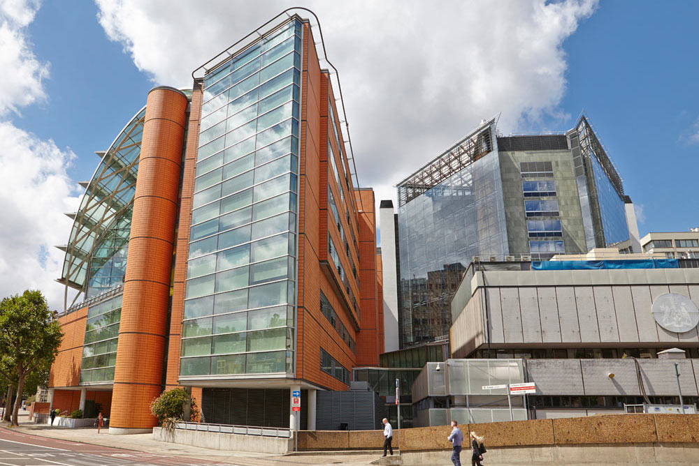 new glass atrium and louvre system on St Thomas' hospital and Evelina Wing by Airey Spaces