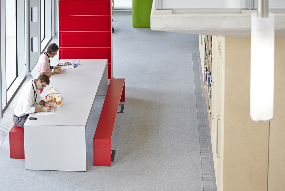 relaxing office space in WWF building by Airey Spaces